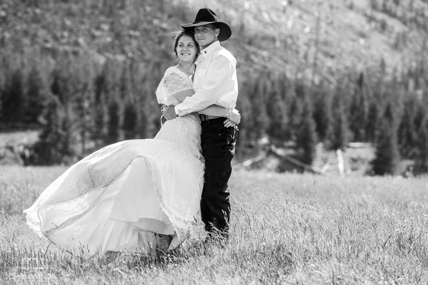 Bobbijean & Chris Wedding Day in Yellowstone National Park