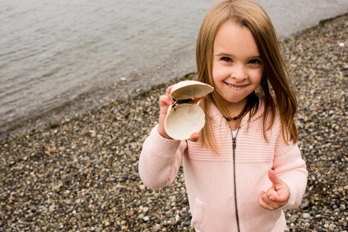 Bellingham Washington Family Portrait clam beach
