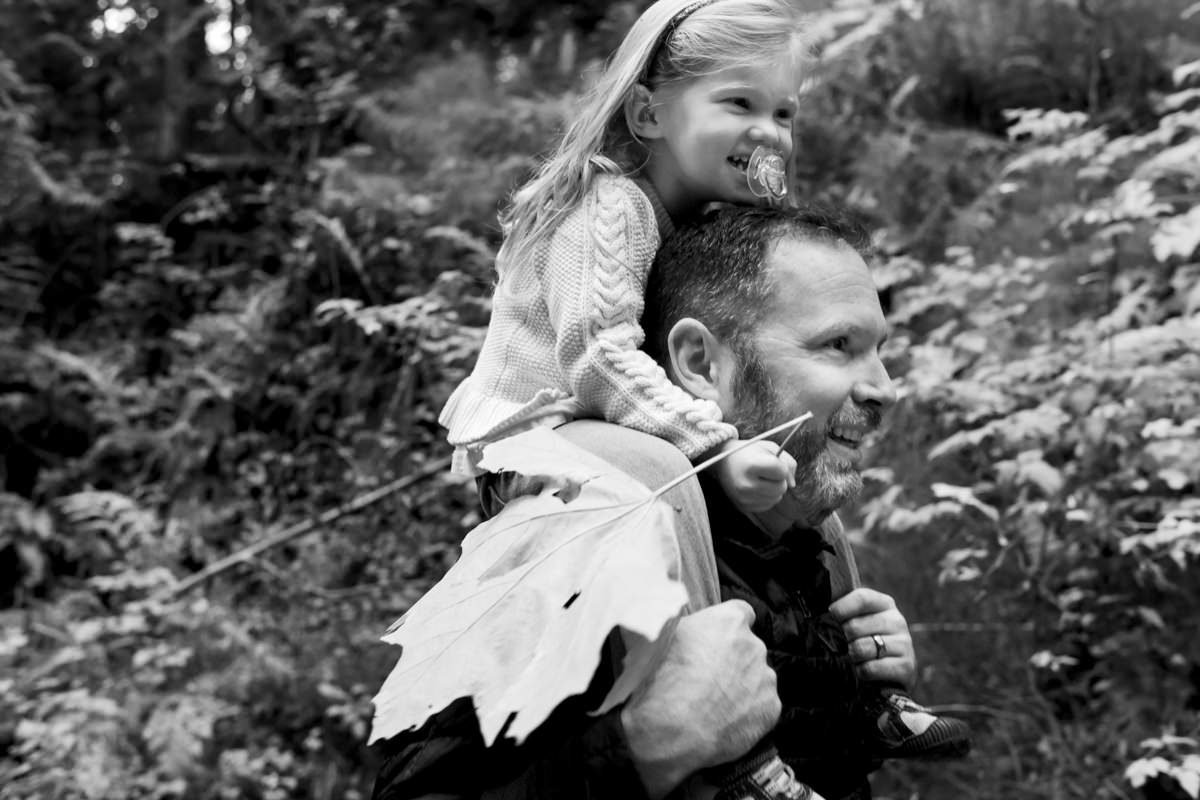 Bellingham Washington Family Portrait daughter piggyback